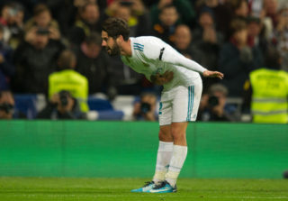MADRID, SPAIN - NOVEMBER 05: Isco Alarcon of Real Madrid CF celebrates after scoring his team's 3rd goal during the La Liga match between Real Madrid and Las Palmas at Estadio Santiago Bernabeu on November 5, 2017 in Madrid, Spain. (Photo by Denis Doyle/Getty Images)
