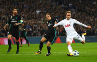 LONDON, ENGLAND - NOVEMBER 01:  Christian Eriksen of Tottenham Hotspur scores his side's third goal during the UEFA Champions League group H match between Tottenham Hotspur and Real Madrid at Wembley Stadium on November 1, 2017 in London, United Kingdom.  (Photo by Clive Rose/Getty Images)