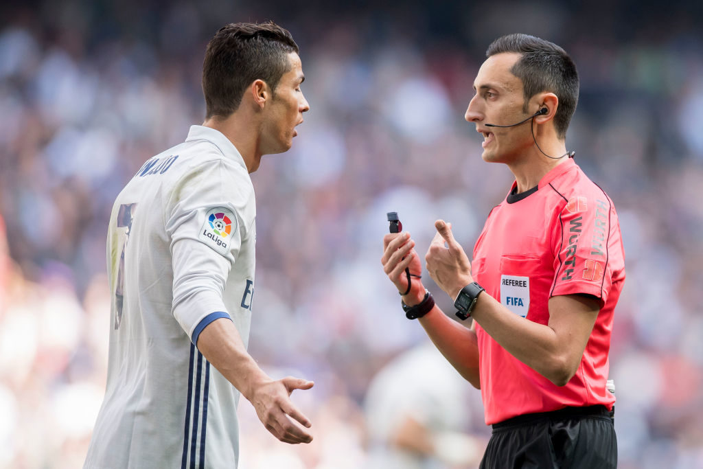 MADRID, SPAIN - APRIL 02: Cristiano Ronaldo (l) of Real Madrid argues with referee Jose Maria Sanchez Martinez during their La Liga match between Real Madrid and Deportivo Alaves at the Santiago Bernabeu Stadium on 02 April 2017 in Madrid, Spain. (Photo by Power Sport Images/Getty Images)