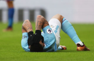 LONDON, ENGLAND - DECEMBER 31:  Gabriel Jesus of Manchester City reacts as he is injured during the Premier League match between Crystal Palace and Manchester City at Selhurst Park on December 31, 2017 in London, England.  (Photo by Catherine Ivill/Getty Images)