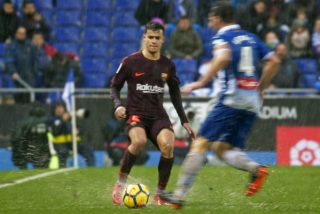 Philippe Coutinho and Victor Sanchez during the match between RCD Espanyol vs FC Barcelona, for the round 22 of the Liga Santander, played at Cornella -El Prat Stadium on 3th February 2018 in Barcelona, Spain.   -- (Photo by Urbanandsport/NurPhoto)