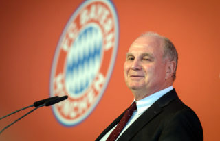 FCBayern Munich's president Uli Hoeness speaks during the opening of FCBayern Munich's campus in Munich, Germany, 21 August 2017. Just under two years after the foundation stone was laid, FCBayern is opening its training and performance centre for young players. Photo: Matthias Balk/dpa