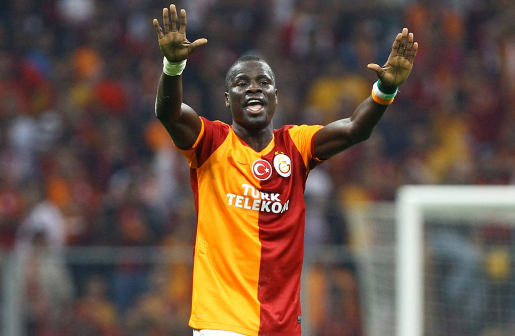 ISTANBUL, TURKEY - SEPTEMBER 17:  Emmanuel Eboue of Galatasaray AS in action during the UEFA Champions League group stage match between Real Madrid CF and Galatasaray AS held on September 17, 2013 at the Ali Sami Yen Spor Kompleksi, in Istanbul, Turkey. (Photo by EuroFootball/Getty Images)