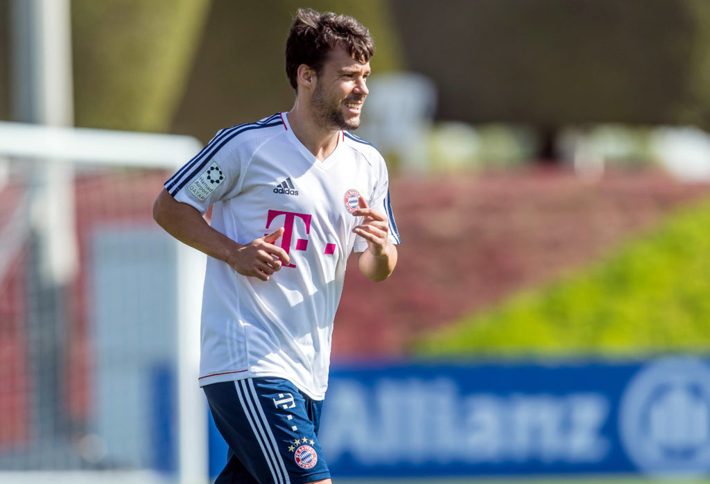DOHA, QATAR - JANUARY 06: Juan Bernat of Muenchen looks on during the FC Bayern Muenchen training camp at Aspire Academy on January 06, 2018 in Doha, Qatar. (Photo by TF-Images/TF-Images via Getty Images)