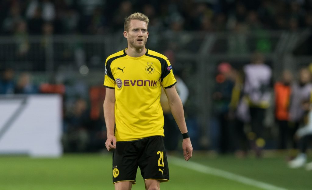 Dortmund's André Schurrle during the soccer match between Borussia Dortmund and Sporting Lissabon on the fourth match day of the Champions League, group phase, group F, at Signal Iduna Park in Dortmund, Germany, 2 November 2016. PHOTO: GUIDO KIRCHNER/dpa