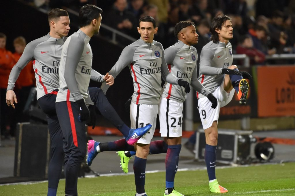 (From L) Paris Saint-Germain's German forward Julian Draxler, Paris Saint-Germain's Argentinian forward Javier Pastore, Paris Saint-Germain's Argentinian forward Angel Di Maria, Paris Saint-Germain's French midfielder Christopher Nkunku and Paris Saint-Germain's Uruguayan forward Edinson Cavani warm up prior to the French L1 football match Lorient vs Paris SG at the Moustoir stadium in Lorient on March 12, 2017.     / AFP PHOTO / LOIC VENANCE