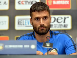 (170723) -- NANJING, July 23, 2017 (Xinhua) -- Antonio Candreva of Inter Milan attends a press conference prior to the 2017 International Champions Cup China against Olympique Lyonnais in Nanjing, east China's Jiangsu Province, July 23, 2017. (Xinhua/He Changshan)