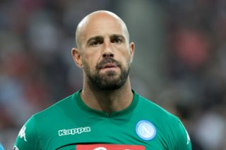 Keeper of Naples Pepe Reina   during the UEFA Champions League Qualifying Play-Offs round, second leg match, between OGC Nice and SSC Napoli at Allianz Riviera Stadium on August 22, 2017 in Nice, France. (Photo by Paolo Manzo/NurPhoto)