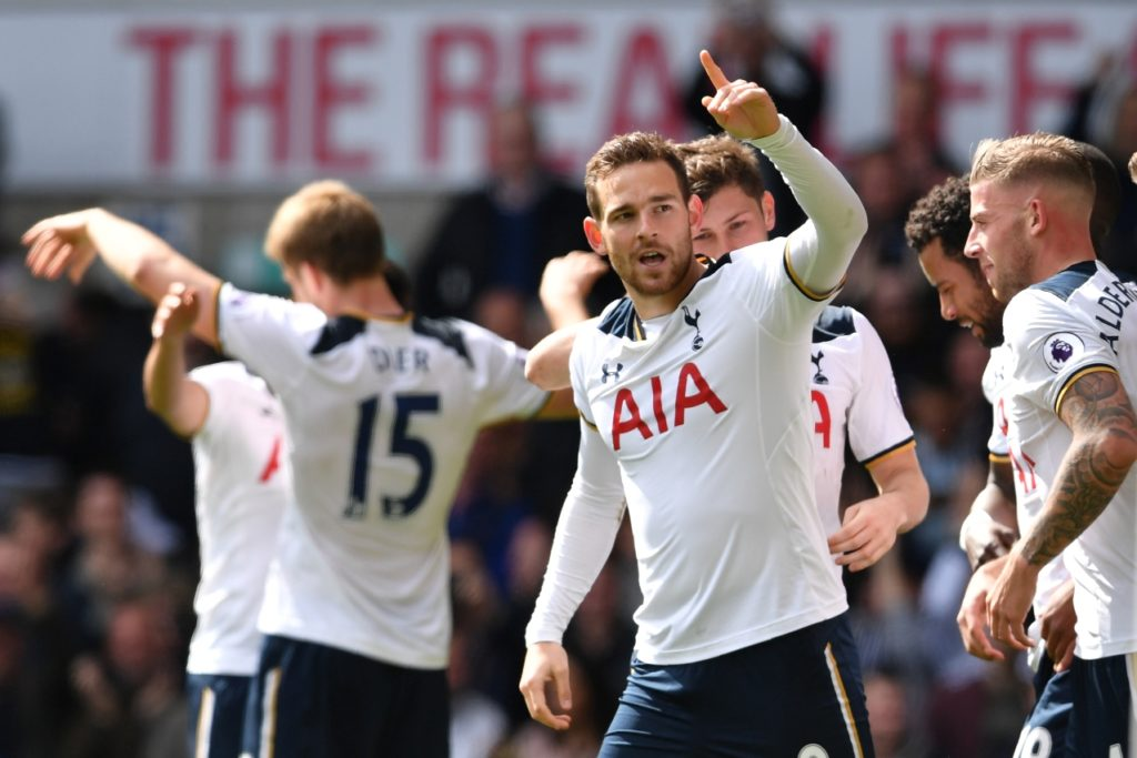 Tottenham Hotspur's Dutch striker Vincent Janssen (C) celebrates with teammates after scoring their fourth goal during the English Premier League football match between Tottenham Hotspur and Bournemouth at White Hart Lane in London, on April 15, 2017. Tottenham won the game 4-0. / AFP PHOTO / Ben STANSALL / RESTRICTED TO EDITORIAL USE. No use with unauthorized audio, video, data, fixture lists, club/league logos or 'live' services. Online in-match use limited to 75 images, no video emulation. No use in betting, games or single club/league/player publications.  /