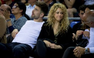 BARCELONA, SPAIN - April 17: FC Barcelona's football player Gerard Pique with his girlfriend, the Colombian singer Shakira during the Turkish Airlines Euroleague playoffs round 2 basketball match between FC Barcelona and Olympiacos at Palau Blau Grana in Barcelona on April 17, 2015. Albert Llop / Anadolu Agency