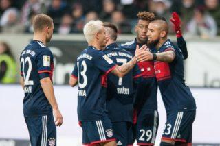 V.l.n.r. Joshua KIMMICH (M), RAFINHA (M), Franck RIBERY (M), Kingsley COMAN (M), goalschuetze Arturo VIDAL (M) freuen sich ueber das goal zum 1:0 fuer FC Bayern Munich, jubilation, jubeln, jubelnd, Freude, cheers, celebrate, goaljubel,  Fussball 1. Bundesliga, 15. Spieltag, Eintracht Frankfurt (F) - FC Bayern Munich (M) 0:1, am 09.12.2017 in Frankfurt/ Germany.  |usage worldwide