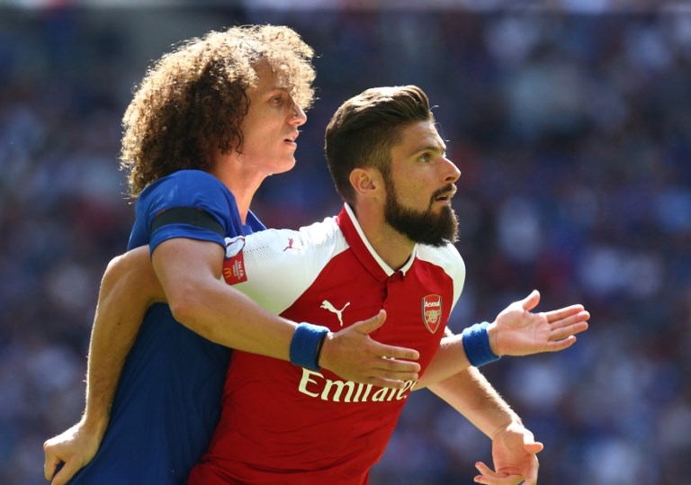 L-R Chelsea's David Luiz and Arsenal's Olivier Giroud during the The FA Community Shield match between Arsenal and Chelsea at Wembley stadium, London, England on 6 August 2017. (Photo by Kieran Galvin/NurPhoto)