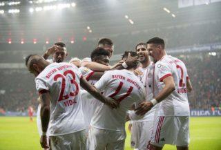 jubilationtraube M after dem goal zum 1:3, um goalschuetze James RODRIGUEZ (M), left to right Arturo VIDAL (M), Jerome BOATENG (M), David ALABA (M), James RODRIGUEZ (M), Javi MARTINEZ (M), Sandro WAGNER (M),  Fussball 1. Bundesliga, 18. matchday, Bayer 04 Leverkusen (LEV) - FC Bayern Munich (M), am 12.01.2018 in Leverkusen/ Germany. |usage worldwide