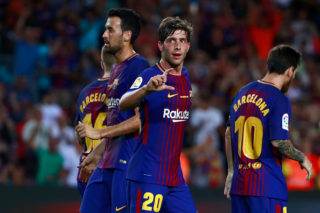 BARCELONA, SPAIN - AUGUST 20:  Sergi Roberto (L) of FC Barcelona celebrates scoring their second goal with teammates during the La Liga match between FC Barcelona and Real Betis Balompie at Camp Nou stadium on August 20, 2017 in Barcelona, Spain.  (Photo by Gonzalo Arroyo Moreno/Getty Images)
