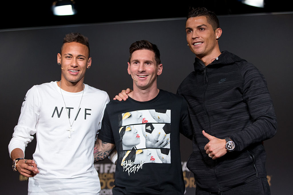 ZURICH, SWITZERLAND - JANUARY 11: FIFA Ballon d'Or nominees Neymar Jr of Brazil and FC Barcelona (L), Lionel Messi of Argentina and FC Barcelona (C) and Cristiano Ronaldo of Portugal and Real Madrid (R) attend a press conference prior to the FIFA Ballon d'Or Gala 2015 at the Kongresshaus on January 11, 2016 in Zurich, Switzerland. (Photo by Philipp Schmidli/Getty Images)