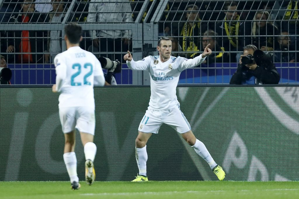 (L-R) Isco of Real Madrid, Gareth Bale of Real Madrid during the UEFA Champions League group H match between Borussia Dortmund and Real Madrid on September 26, 2017 at the Signal Iduna Park stadium in Dortmund, Germany.(Photo by VI Images via Getty Images)