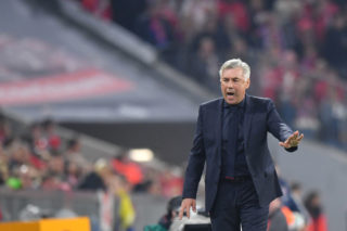 MUNICH, GERMANY - SEPTEMBER 22: Head coach Carlo Ancelotti of FC Bayern Muenchen gestures during the Bundesliga match between FC Bayern Muenchen and VfL Wolfsburg at Allianz Arena on September 22, 2017 in Munich, Germany. (Photo by Sebastian Widmann/Bongarts/Getty Images)