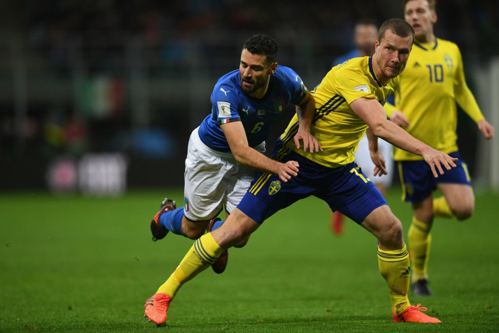 MILAN, ITALY - NOVEMBER 13:  Antonio Candreva of Italy in action during the FIFA 2018 World Cup Qualifier Play-Off: Second Leg between Italy and Sweden at San Siro Stadium on November 13, 2017 in Milan, Sweden.  (Photo by Claudio Villa/Getty Images)