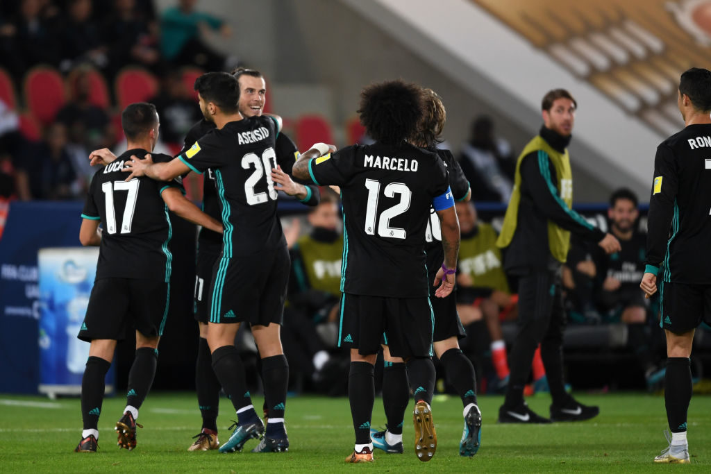 ABU DHABI, UNITED ARAB EMIRATES - DECEMBER 13:  Gareth Bale (3rdL) of Real Madrid celebrates scoring his side's second goal during the FIFA Club World Cup UAE 2017 semi-final match between Al Jazira and Real Madrid  on December 13, 2017 in Abu Dhabi, United Arab Emirates.  (Photo by Etsuo Hara/Getty Images)