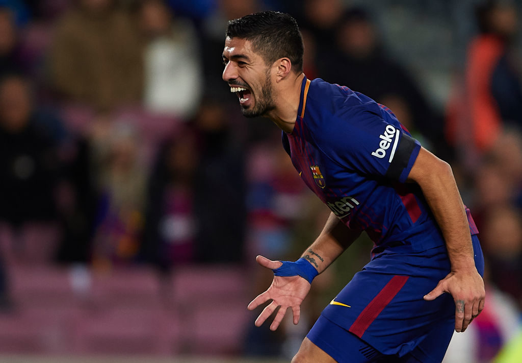 BARCELONA, SPAIN - DECEMBER 17:  Luis Suarez of Barcelona reacts during the La Liga match between Barcelona and Deportivo de La Coruna at Camp Nou on December 17, 2017 in Barcelona, Spain.  (Photo by Manuel Queimadelos Alonso/Getty Images)