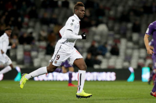 TOULOUSE, FRANCE - NOVEMBER 29: Mario Balotelli of Nice in action during the Ligue 1 match between Toulouse and OGC Nice   at Stadium Municipal on November 29, 2017 in Toulouse.  (Photo by Romain Perrocheau/Getty Images)
