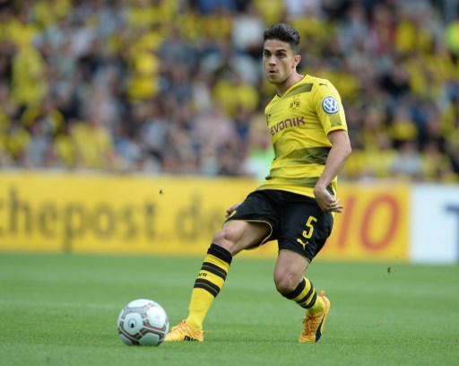 Dortmund's Marc Bartra plays the ball during the German Soccer Association (DFB)Cup first-round soccer match between 1. FC Rielasingen-Arlen and Borussia Dortmund in the Schwarzwald Stadium in Freiburg, Germany, 12 August 2017. Photo: Patrick Seeger/dpa