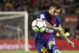 BARCELONA, SPAIN - September 19: Leo Messi in action during the Spanish La Liga match between FC Barcelona and Eibar in the Camp Nou Stadium in Barcelona, Spain on September 19, 2017. Albert Llop / Anadolu Agency