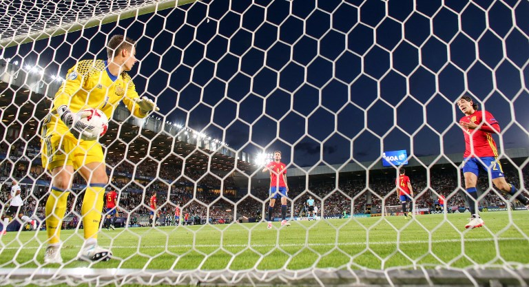 Spain's goalkeeper Kepa Arrizabalaga reacts to receiving the 1:0 goal during the UEFAEuropean Under-21 Championship soccer match between Germany and Spain at the Krakow Stadium in Krakow, Poland, 30 June 2017. Photo: Jan Woitas/dpa-Zentralbild/dpa