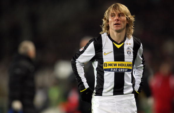 TURIN, ITALY - JANUARY 24:  Pavel Nedved of Juventus reacts during the Serie A football match between FC Juventus and ACF Fiorentina at the Olympic stadium on January 24, 2009 in Turin, Italy.  (Photo by Luca Ghidoni/Getty Images)