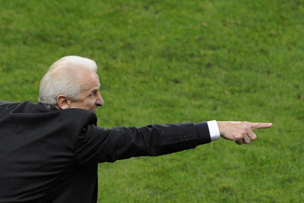 Italian coach of the Republic of Ireland national team Giovanni Trappatoni reacts during the World Cup 2010 qualifying football match France vs. Republic of Ireland on November 18, 2009 at the Stade de France in Saint-Denis, northern Paris.          AFP PHOTO / BERTRAND GUAY / AFP PHOTO / BERTRAND GUAY