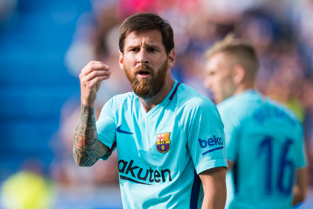 VITORIA-GASTEIZ, SPAIN - AUGUST 26:  Lionel Messi of FC Barcelona reacts during the La Liga match between Deportivo Alaves and Barcelona at Estadio de Mendizorroza on August 26, 2017 in Vitoria-Gasteiz, Spain.  (Photo by Juan Manuel Serrano Arce/Getty Images)
