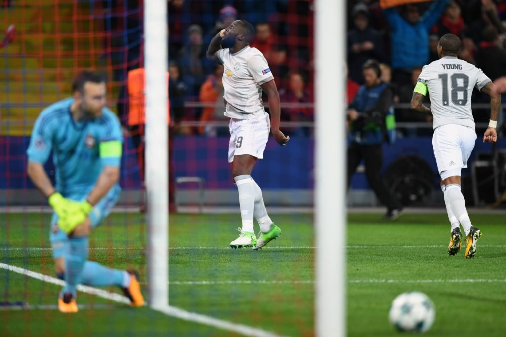 Manchester United's forward from Belgium Romelu Lukaku celebrates after scoring a goal during the UEFA Champions League Group A football match between PFC CSKA Moscow and Manchester United FC in Moscow on September 27, 2017. / AFP PHOTO / Kirill KUDRYAVTSEV