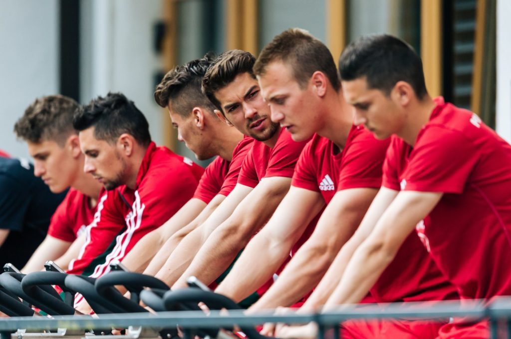 Hungarian national football team player Barnabas Bese (3rd R) and his teammates attend a training session of the Hungarian national football team in Leogang, Austria on May 30, 2016, as part of the team's preparation for the upcoming Euro 2016 European football championships in France. / AFP PHOTO / APA / Johann GRODER / Austria OUT