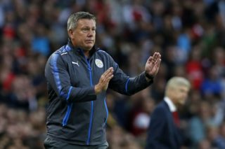 Leicester City's English manager Craig Shakespeare gestures on the touchline during the English Premier League football match between Arsenal and Leicester City at the Emirates Stadium in London on August 11, 2017. / AFP PHOTO / Ian KINGTON / RESTRICTED TO EDITORIAL USE. No use with unauthorized audio, video, data, fixture lists, club/league logos or 'live' services. Online in-match use limited to 75 images, no video emulation. No use in betting, games or single club/league/player publications.  /