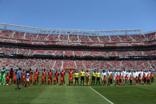 Players pose for team photos before the International Champions Cup match between Manchester United and Real Madrid on July 23, 2017 in Santa Clara, California.  / AFP PHOTO / Beck Diefenbach