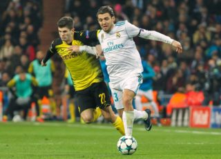 Real Madrid's Mateo Kovacic and Christian Pulisic of Dortmund during the UEFA Champions League, Group H football match between Real Madrid and Borussia Dortmund on December 6, 2017 at the Santiago Bernabeu stadium in Madrid, Spain - Photo Irina RH / Spain DPPI / DPPI