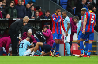 LONDON, ENGLAND - DECEMBER 31:  Josep Guardiola, Manager of Manchester City looks on as an injured Gabriel Jesus of Manchester City is given assistance during the Premier League match between Crystal Palace and Manchester City at Selhurst Park on December 31, 2017 in London, England.  (Photo by Catherine Ivill/Getty Images)