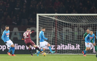 TURIN, ITALY - DECEMBER 16: Player of Torino FC Andrea Belotti scores the 1-3 goal during the Serie A match between Torino FC and SSC Napoli at Stadio Olimpico di Torino on December 16, 2017 in Turin, Italy.  (Photo by Francesco Pecoraro/Getty Images)
