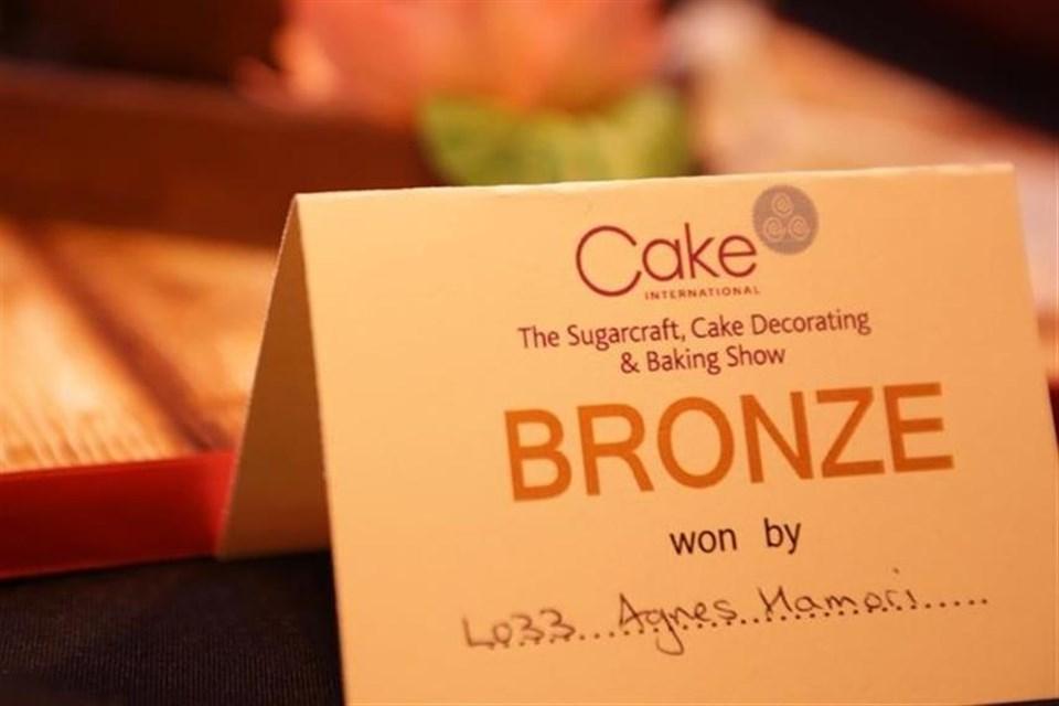 Dee-Hamori-bronz-minositesu-tortaja(08c4e2c0-f0a8-4e49-b54a-edab818b89fa)(1)(960x640).jpg (angliai magyarok, Birmingham, torta)