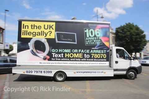 bevándorlós plakátkampány, plakát, Anglia, go home (Array)