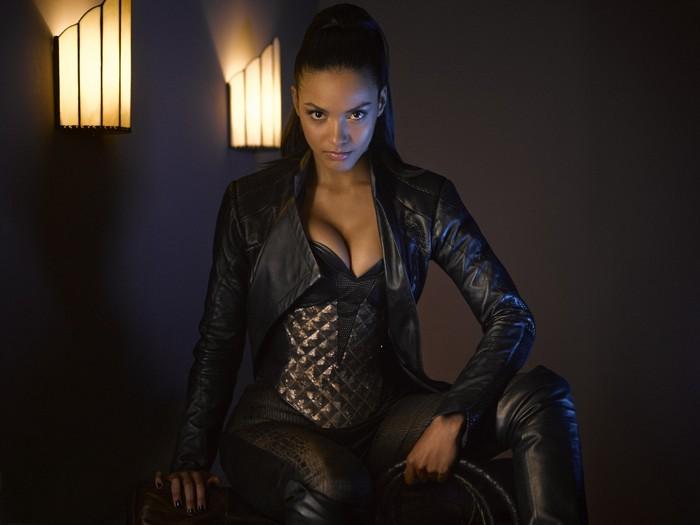 Jessica-Lucas-as-Tabitha-Galvan-on-Gotham