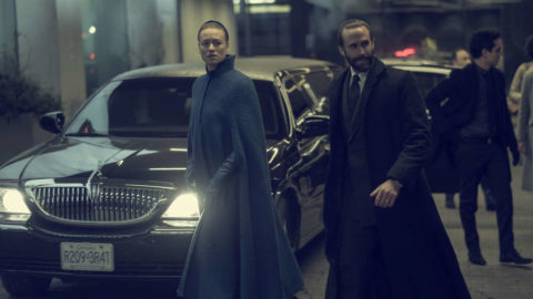 """The Handmaid's Tale -- """"Smart Power"""" - Episode 209 - The Waterfords embark on a diplomatic trip abroad. Serena faces the temptation of life outside Gilead. Luke and Moira grapple with survivorís guilt. Offred seeks support from allies. Serena Joy (Yvonne Strahovski) and Commander Waterford (Joseph Fiennes), shown. (Photo by: George Kraychyk/Hulu)"""