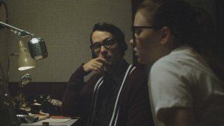 The vast of night jelenet - Fay és Everett a rádióban