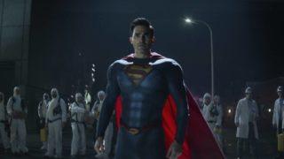 Superman megérkezik az atomerőműhöz a Superman és Loisban